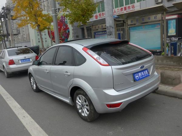 【北京市】福特 经典福克斯两厢 2011款 1.8l 自动时尚版