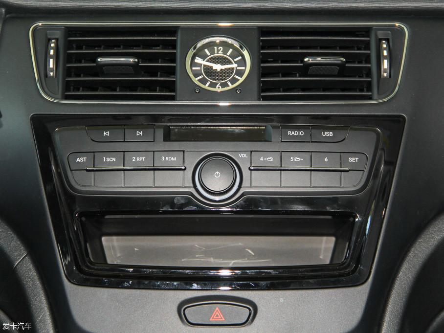 北汽绅宝X55定位介于自家X25车型及X65车型之间,该车提供1.5L和1高清图片