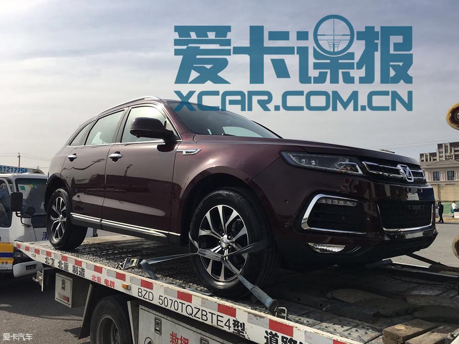 即将开幕的北京车展上,众泰T600运动版将公布其预售价。这款新车基于众泰T600打造而来,爱卡汽车编辑在前方探馆过程中拍到了这款车型。
